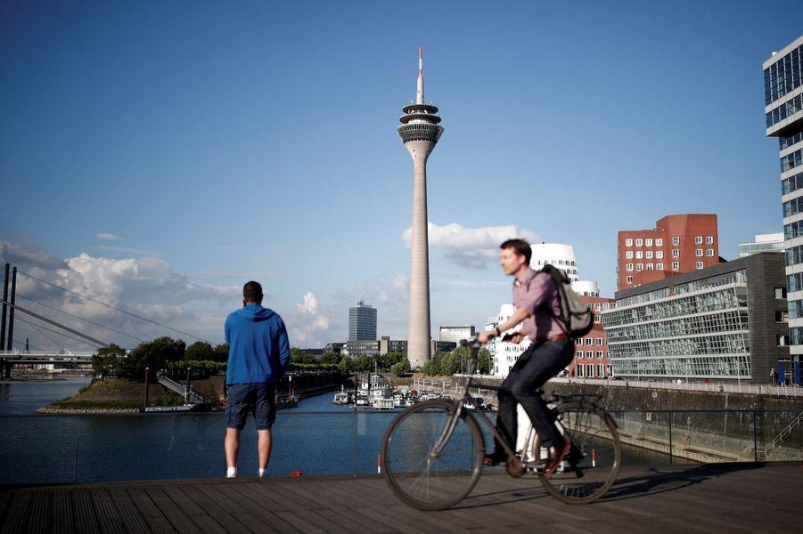 Düsseldorf accueille coureurs et spectateurs.Le Grand Départ du Tour de France y sera donné samedi.