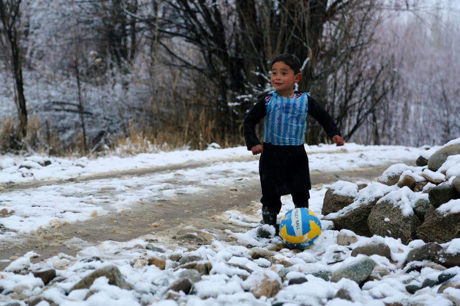 """Murtaza, le petit """"Messi afghan"""" qui a ému Internet"""