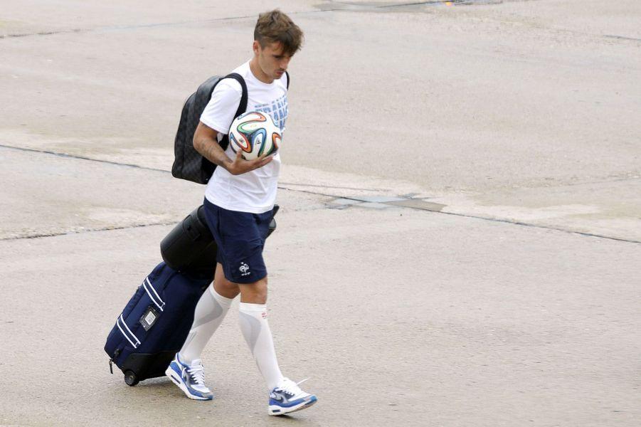 Les Bleus ont atterri dimanche après-midi à l'aéroport du Bourget, après avoir quitté le Brésil et la Coupe du Monde.
