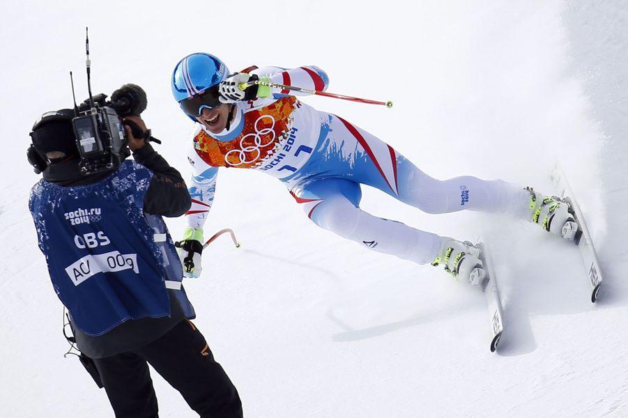 Après un premier week-end de compétitions, Paris Match vous propose une compilation des clichés les plus étonnants des Jeux olympiques de Sotchi. Dimanche, l'Autrichien Matthias Mayer a évité de justesse un caméraman lors de l'épreuve de descente.