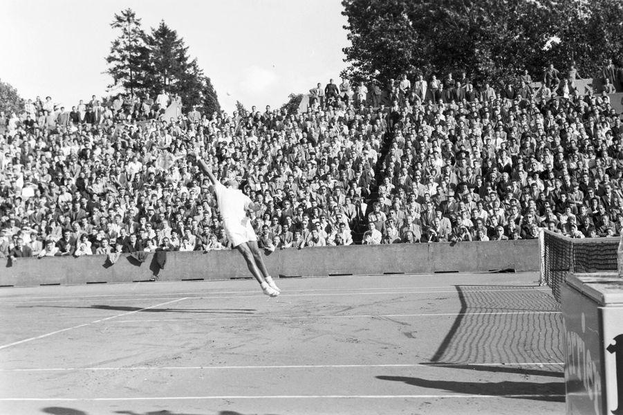 Septembre 1958, l'Australien Mervyn Rose sur le court