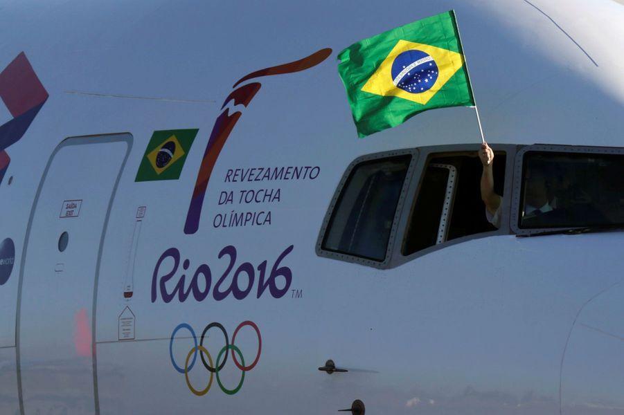La flamme olympique pour les Jeux de Rio est arrivée à Brasilia, le 3 mai 2016.