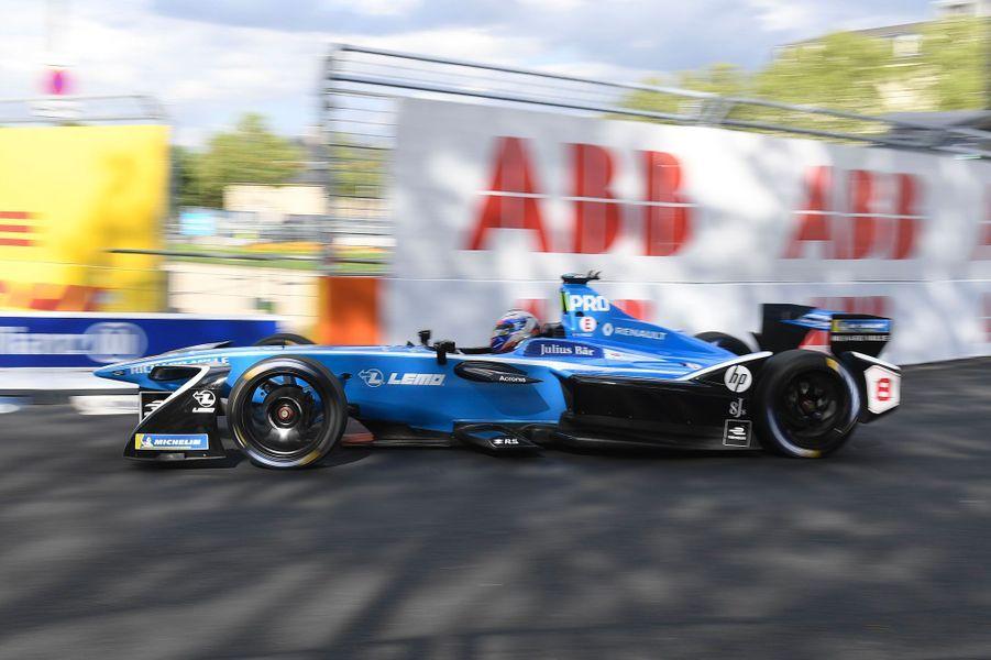 Nico Prost lors des essais libres l'ePrix de Formule E au volant de sa Renault e.dams, vendredi.