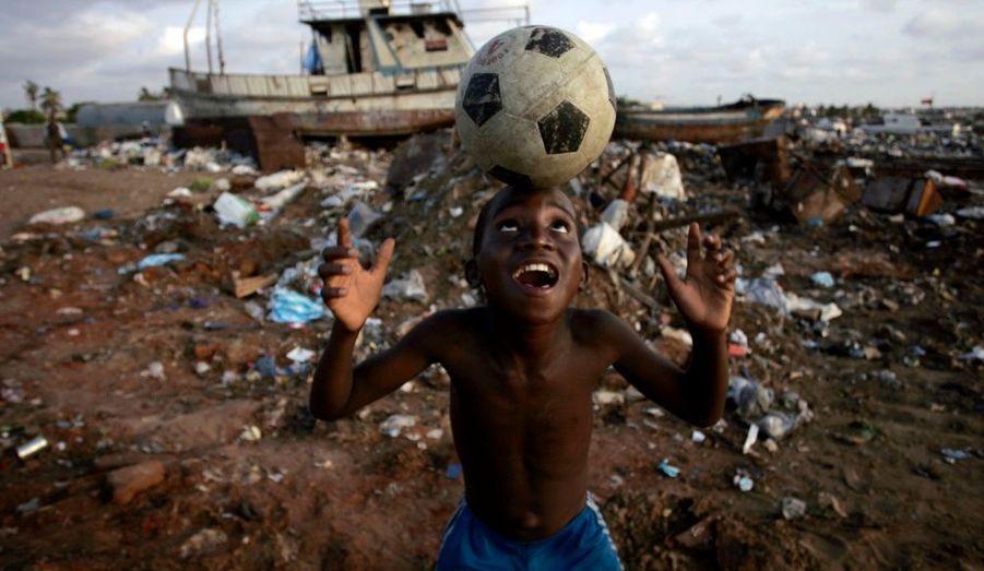 Malgré la misère en Angola et le terrible drame qui a endeuillé le début de la compétition, tous les yeux seront tournés vers Luanda où se disputera la finale de la Coupe d'Afrique des Nations entre le Ghana et l'Egypte.