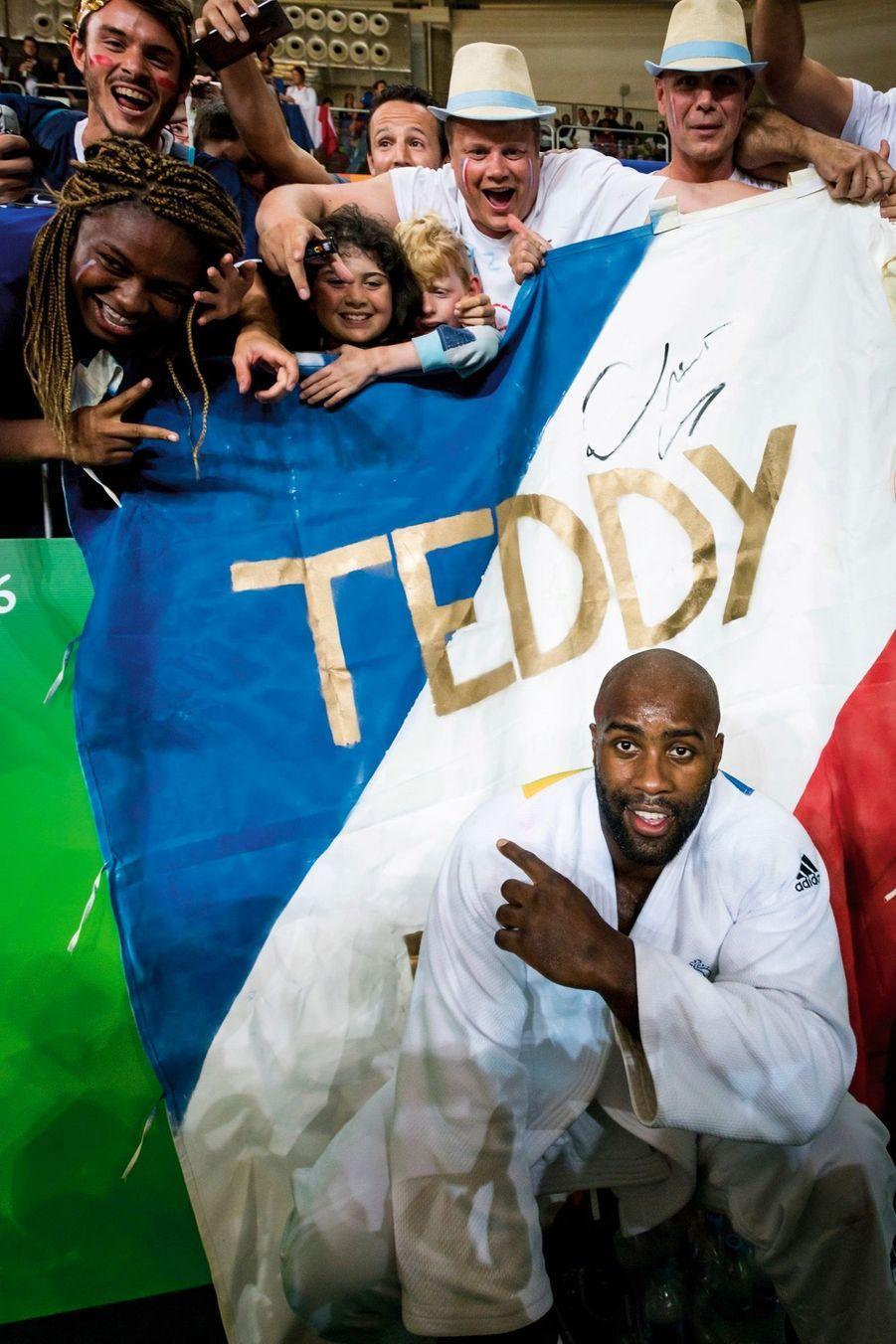 Teddy Riner, judo, et son fan-club. Médaille d'or