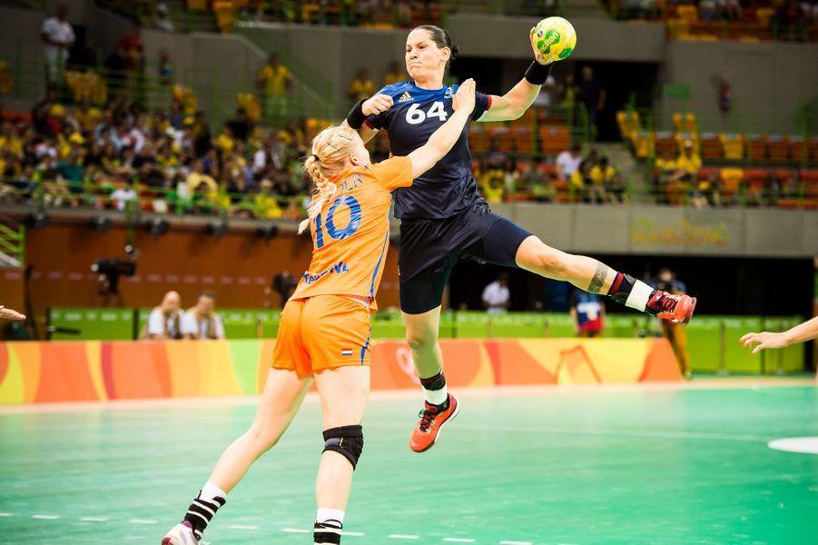 La France surprend les Pays-Bas en handball (18-14)