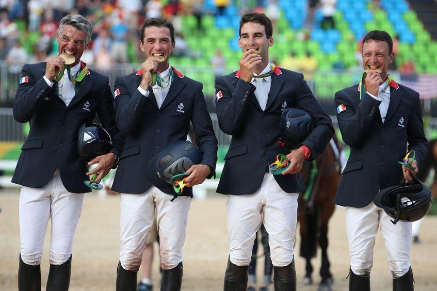 L'équipe de France de concours complet remporte l'or olympique