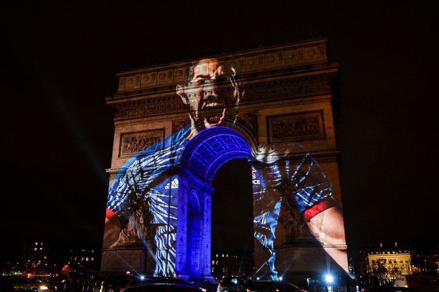 L'Arc de Triomphe célèbre le début du Mondial de handball.