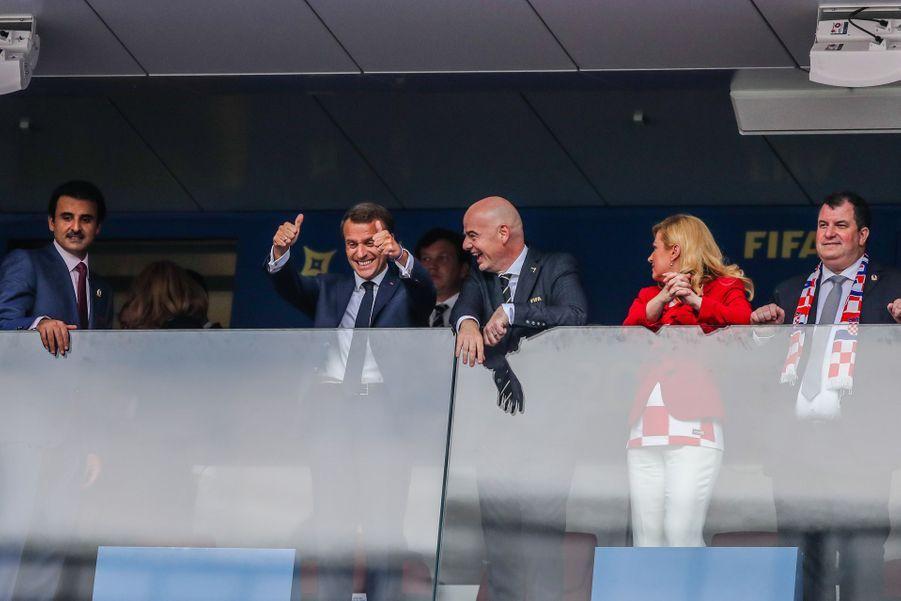 Emmanuel Macron a payé sa tournée après France-Pérou