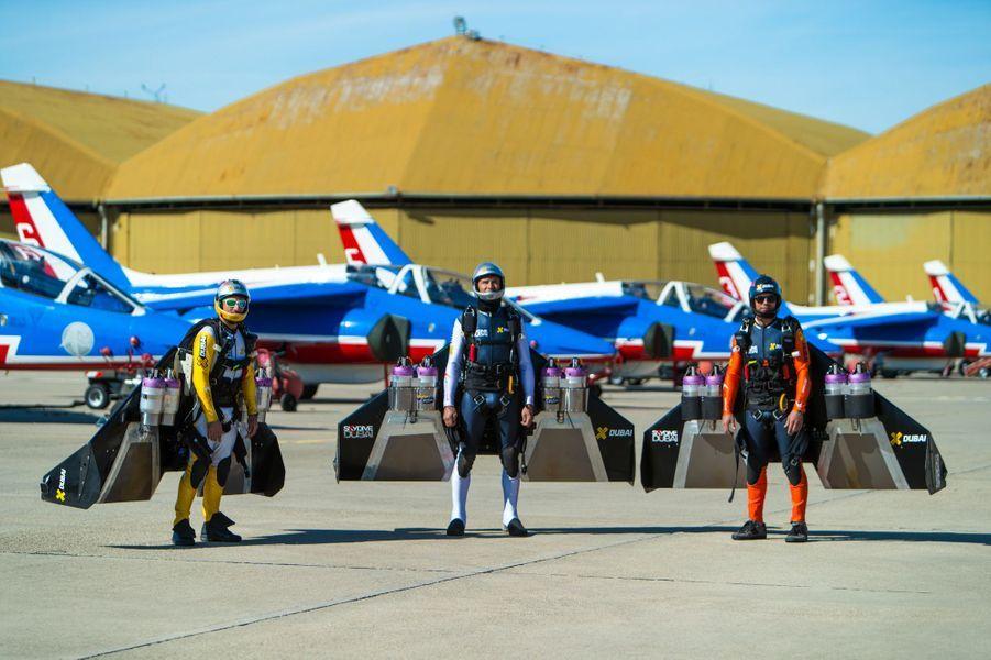 Le vol vertigineux de trois Jetmen avec Patrouille de France