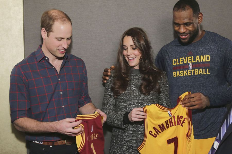 De passage à New York, William et Kate ont rencontré LeBron James en marge d'un match entre les Cavaliers de Cleveland et les Nets de Brooklyn.