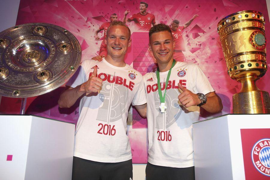 Les joueurs du Bayern Munich ont célébré leur victoire, samedi 21 mai 2016.