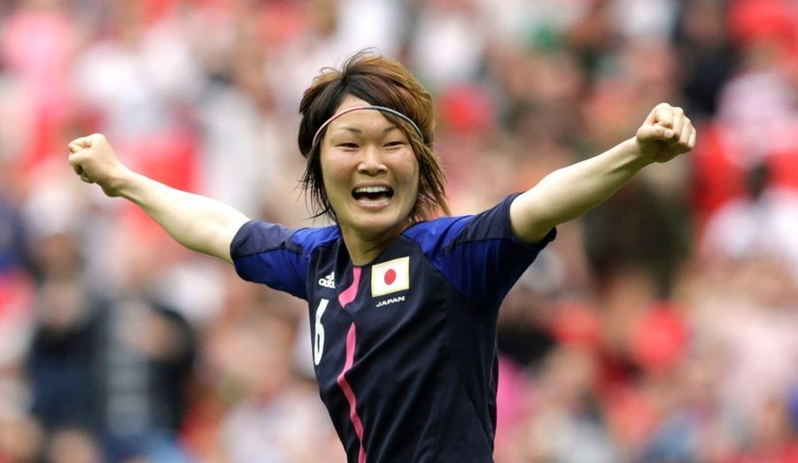 Malgré une fin de match à couper le souffle, l'équipe de France s'est inclinée face au Japon, à Wembley ce lundi en demi-finale du tournoi olympique (2-1). Menées 1-0 à la pause suite à un but d'Ogimi (32e), les Bleues ont concédé un deuxième but par Sakaguchi (48e) - en photo - avant de réduire la marque par Le Sommer à la 76e minute.