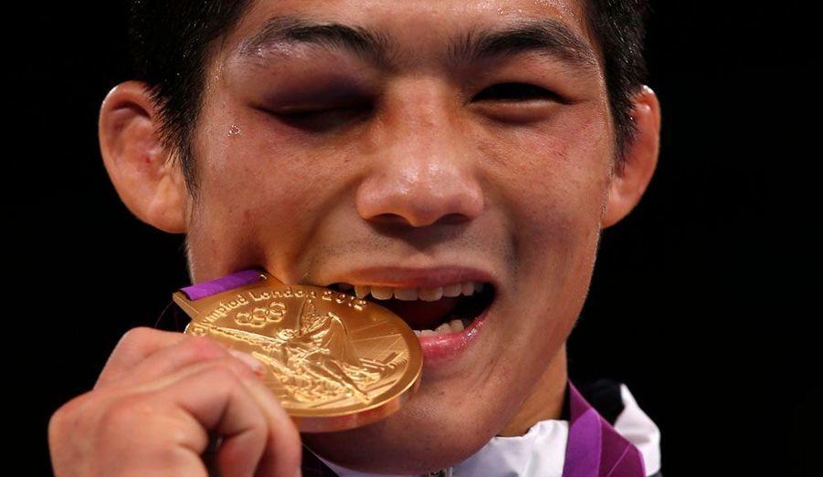 Hyeonwoo Kim a remporté la médaille d'or des moins de 66 kilos en lutte gréco-romaine. Mais a terminé la rencontre avec un impressionnant coquard.