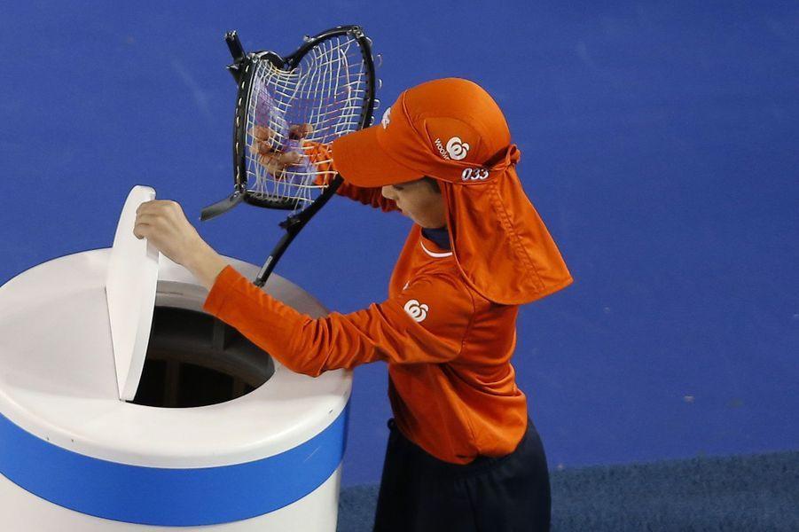 La raquette deGrigor Dimitrov n'a pas survécu à la rencontre entre le Bulgare et Andy Murray à l'Open d'Australie.