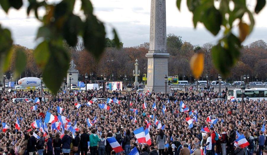 Les supporters des Bleus étaient nombreux à la Concorde, à Paris, afin d'apprécier les héros d'Auckland.