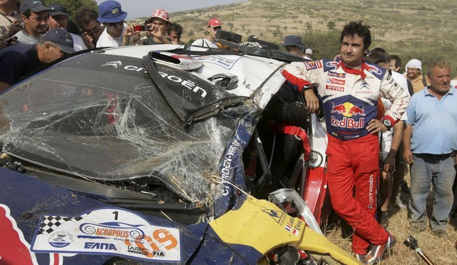 Le métier de pilote de rallye n'est pas sans risques. En 2009, en Grèce, le duo Loeb-Elena se fait une grosse frayeur.