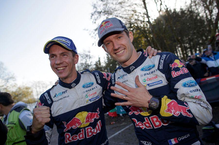 Julien Ingrassia et Sébastien Ogier après leur nouveau titre de champions du monde des rallyes.