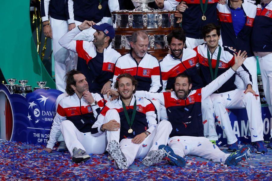 Les Français remportent la Coupe Davis face à la Belgique à Lille.A lire :Au Stade Pierre-Mauroy, le stress puis la libération
