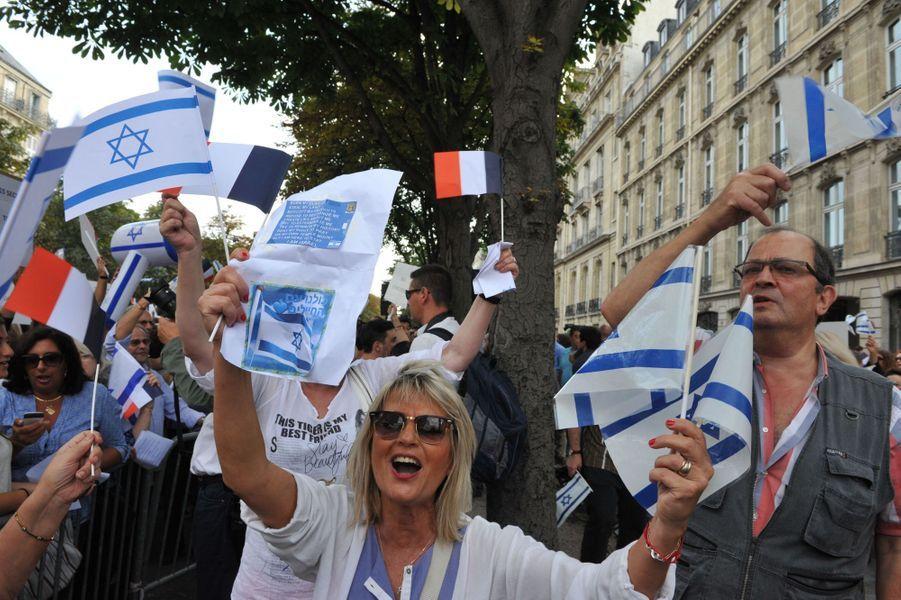 A Paris, première manifestation de soutien à Israël