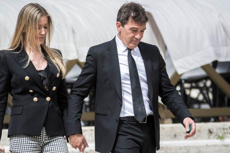 Antonio Banderas et sa compagne Nicole Kimpel, le 13 avril 2016.