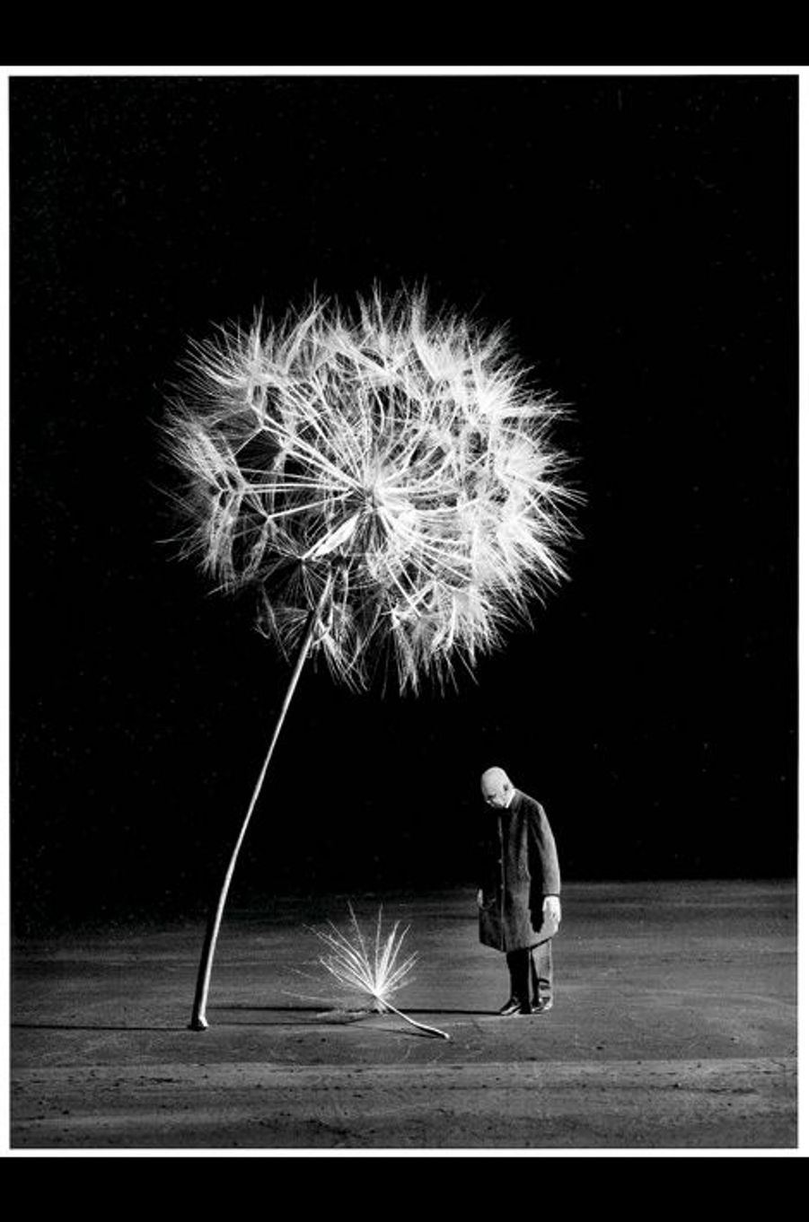 A 84 ans, ce «jeune» photographe ne cesse de produire depuis 1995. Ses photomontages offrent une réflexion sur l'amour et le couple, la vie et la mort. En transformant avec humour et malice des expressions figurées en images étonnantes, il parvient à décrocher la lune.