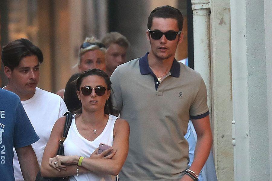 Capucine Anav et Louis Sarkozy à Saint-Tropez