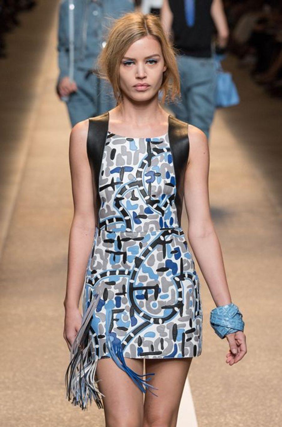 Georgia May Jagger défilé Fendi au cours de la Fashion week de Milan