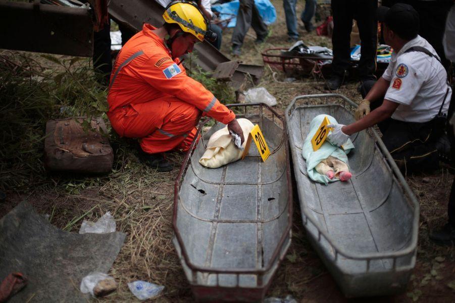 Dramatique accident de car au Guatemala