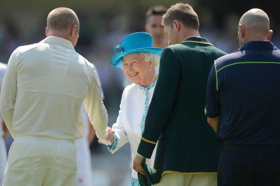 Elizabeth s'occupe en attendant le Royal baby