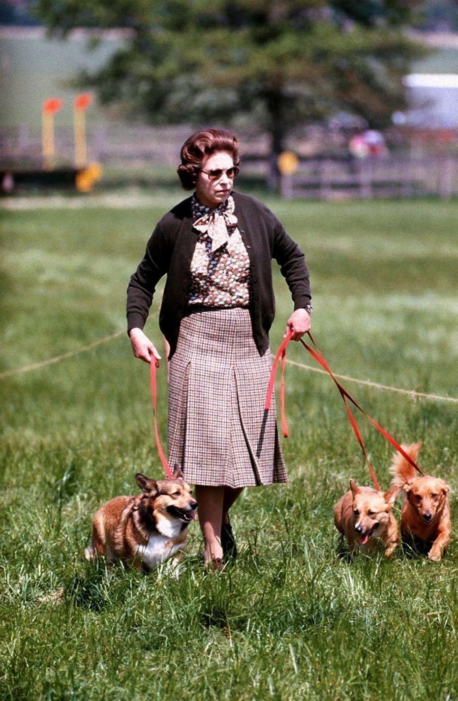La reine Elizabeth II à Windsor (mai 1980)