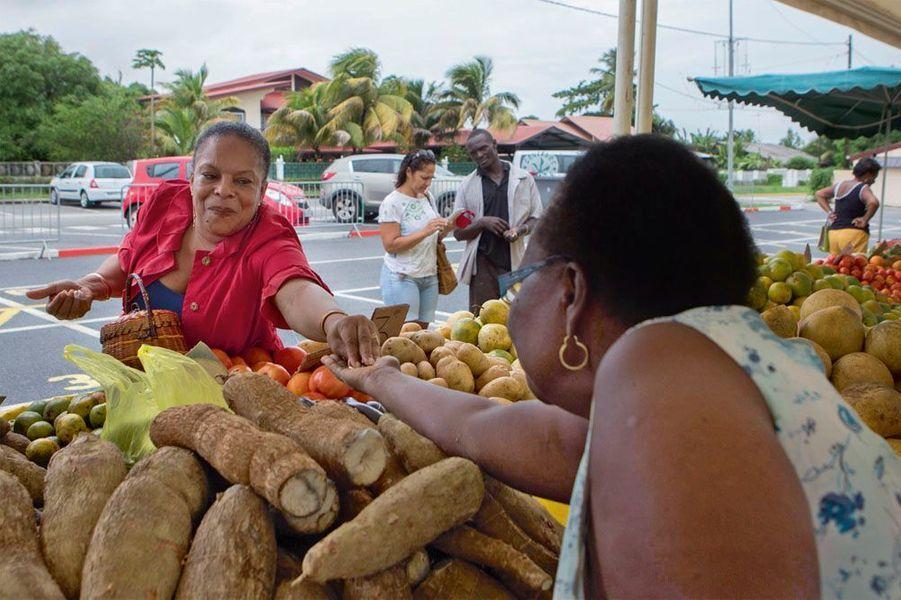Au marché de Cayenne, le lendemain de Noël.