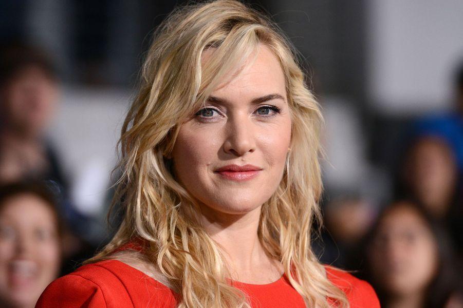 En août 2011, l'actrice a sauvé la mère du milliardaire Richard Branson d'un incendie, alors qu'elle était en vacances sur son île. Elle a depuis épousé son neveu, Ned Rocknroll, avec qui elle a eu un petit Bear.