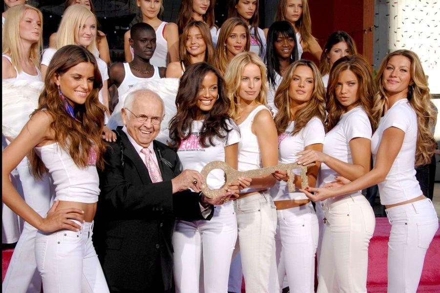 Avec ses copines de Victoria's Secret
