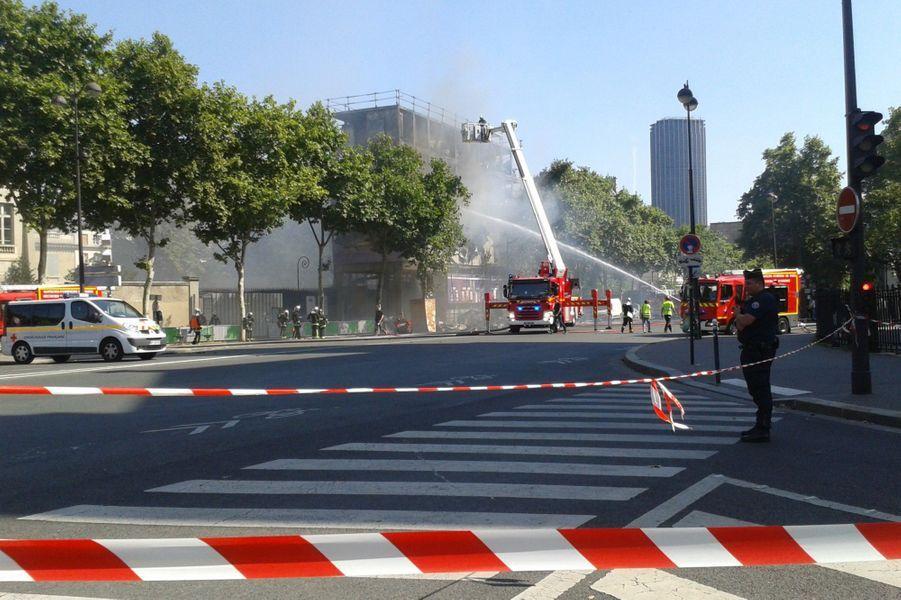 Incendie spectaculaire en plein Paris