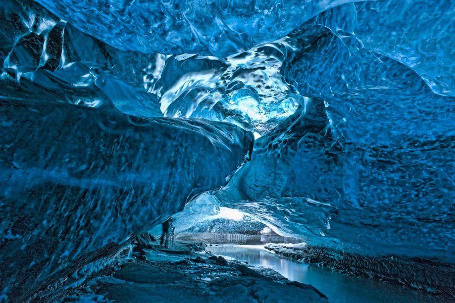 Ice Cave, Svinafellsjokull Glacier