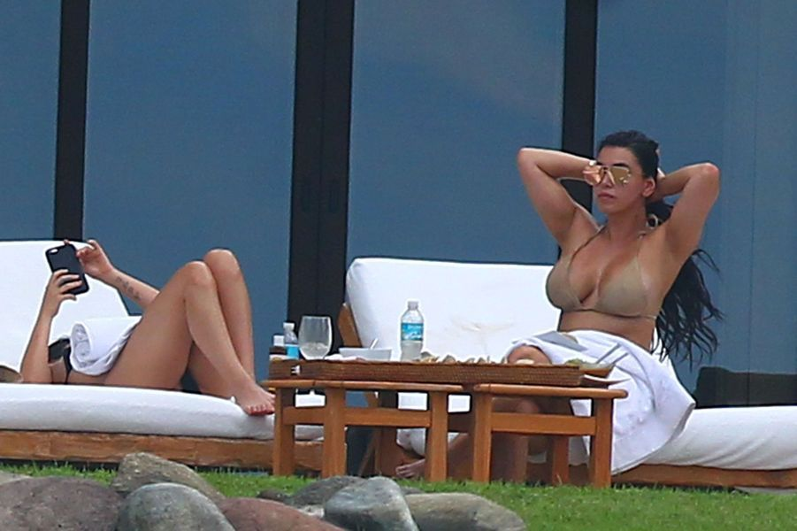 Le sosie de Kim Kardashian à Punta Minta