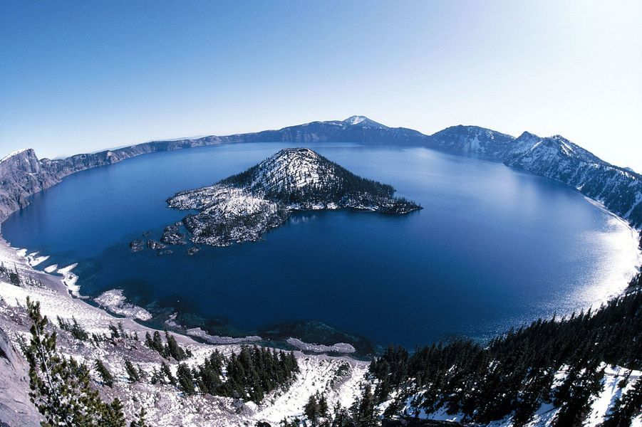 Crater-Lake-National-Park-Oregon-USA