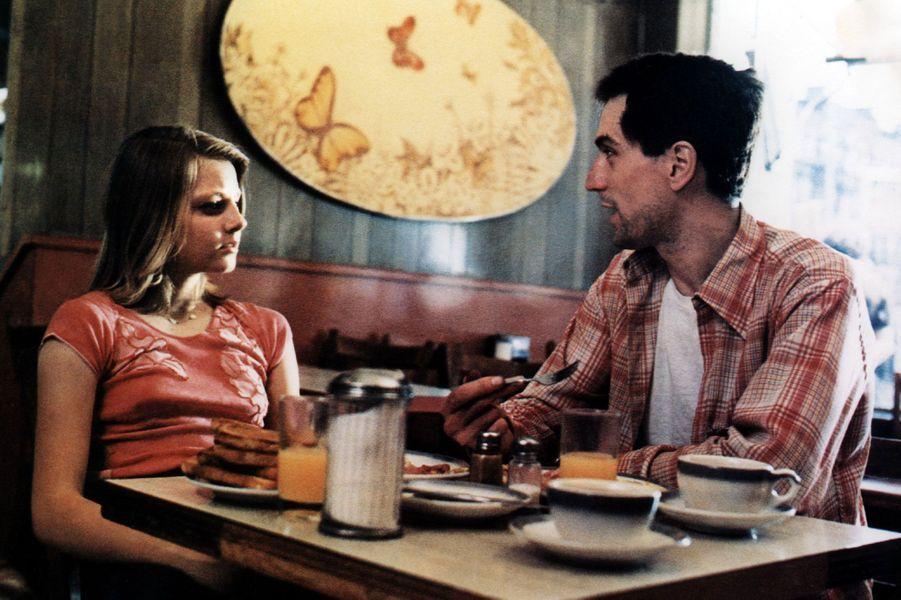 Il semble loin le temps où Alicia Christian Foster étudiait la langue de Molière du Lycée Français de Los Angeles en Californie. Dès son plus âge, Alicia qui devient plus tard Jodie Foster sait qu'elle veut être actrice. C'est en 1976, à l'âge de 14 ans, qu'elle obtient son premier grand rôle au cinéma dans «Taxi Driver» de Martin Scorsese auprès de Robert De Niro. Une immense carrière s'ouvre alors. Elle est aujourd'hui une des plus grandes étoiles de Hollywood.Ici, Jodie Foster est avec Robert De Niro dans «Taxi Driver». Son interprétation lui vaudra sa première nomination aux Oscars. Le film, quant à lui, remportera la palme d'or au Festival de Cannes de 1976.