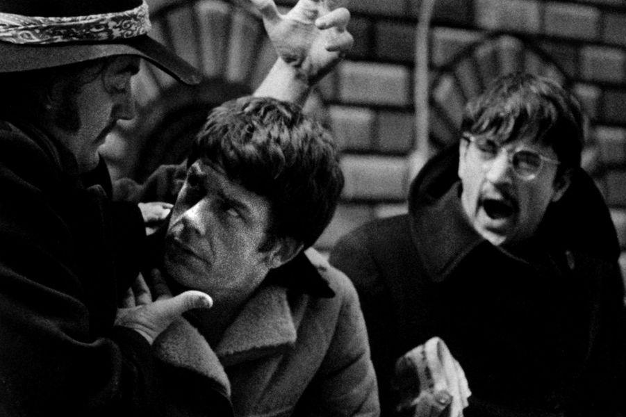 Les débuts de Robert De Niro au cinéma se déroulent dans les années 60. C'est Brian De Palma qui lui donne sa chance. En 1968, il obtient l'un des rôles principaux dans «Greetings» aux côtés de Gerritt Graham et Jonathan Warden.