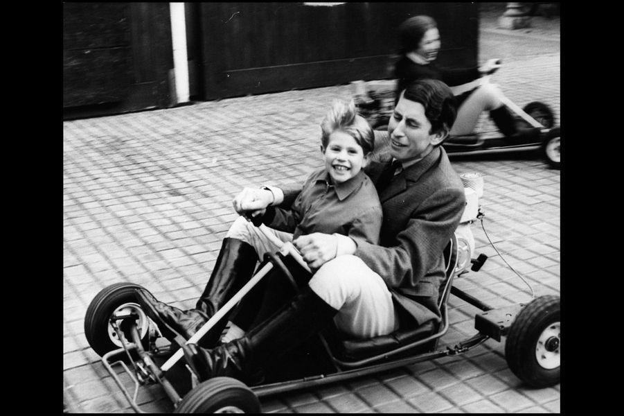 En juin 1969, course de kart avec son frère Charles et sa sœur Anne