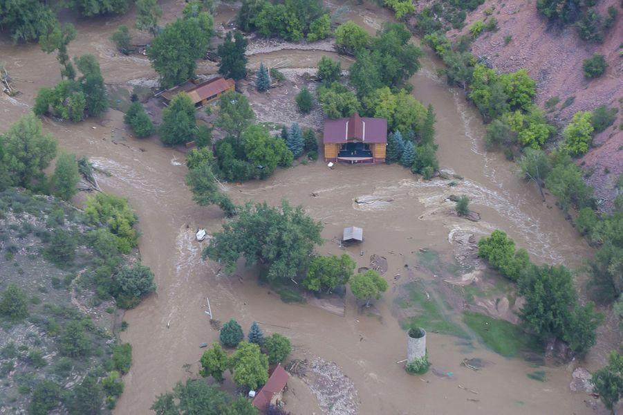Le Colorado ravagé par les eaux