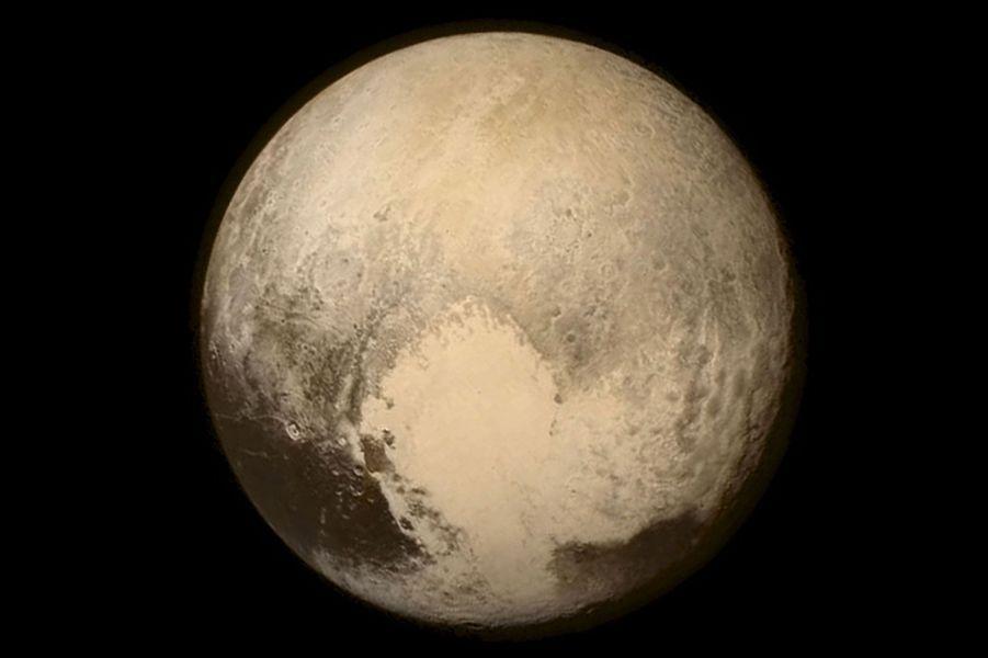 La planète Pluton, l'ex 9e planète du système solaire.