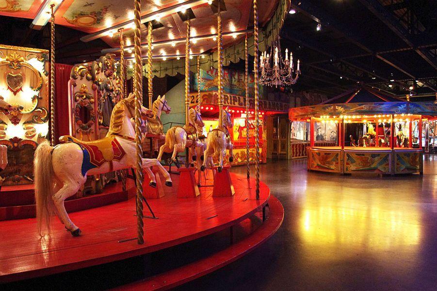 Carrousel au Musée des Arts Forains