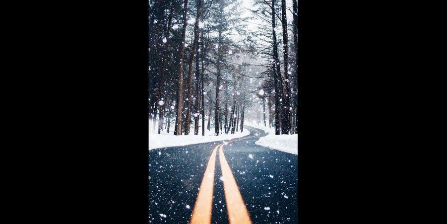 Bien que le paysage soit magnifique, mieux vaut être prudent sur ce genre de route glacée. (voir l'épingle)Suivez nous sur Pinterest!