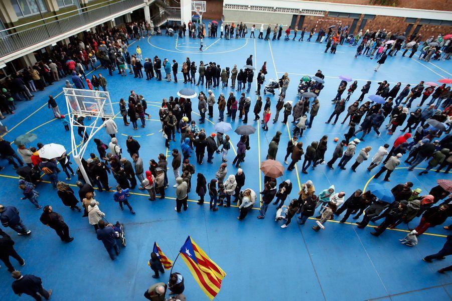 """Les Catalans disent """"oui"""" à l'indépendance"""