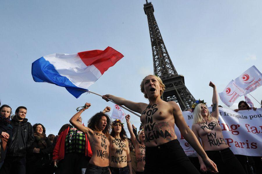 Les manifestants français soutiennent les Espagnols