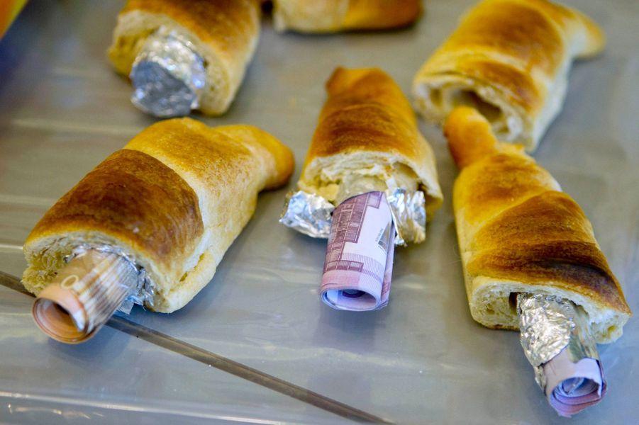 A Berlin, on expose l'argent dans les croissants (mars 2012)