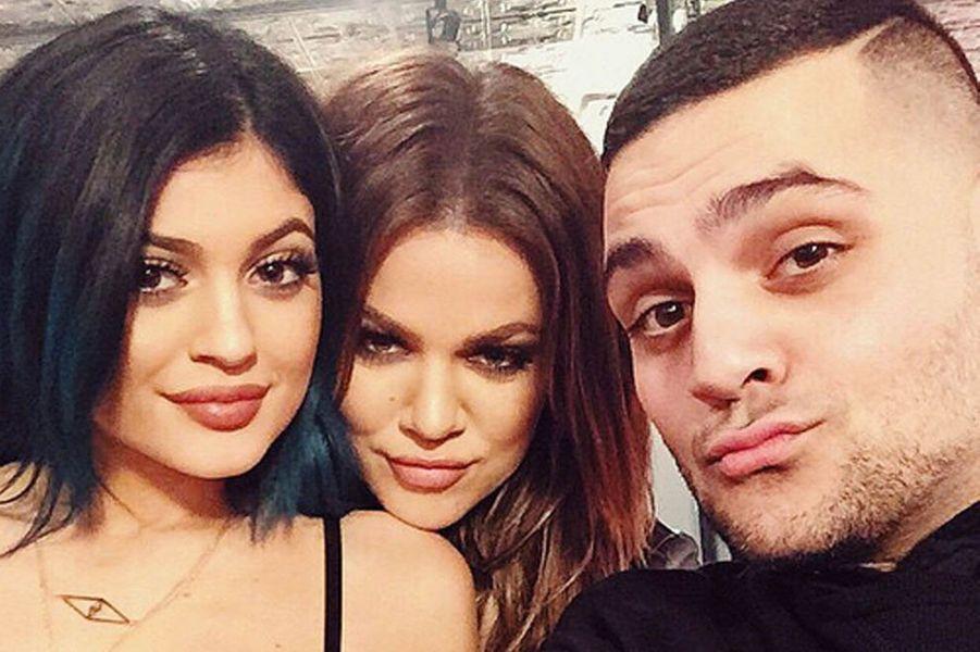 Les soeurs Kardashian Kylie et Khloe inséparables
