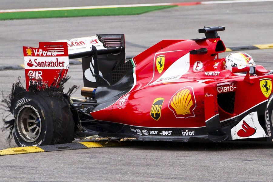 Spectaculaire crevaison pour le pilote Sebastian Vettel au Grand Prix de Belgique.
